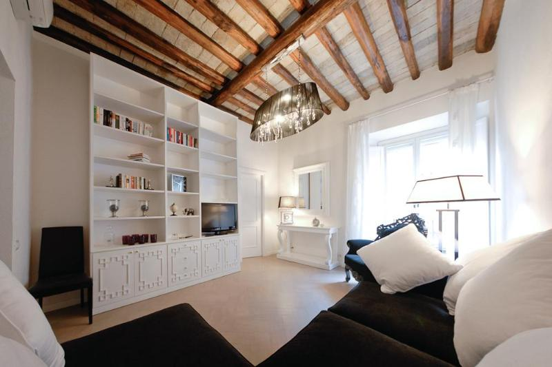 Living - Luxury 3Bdrs 2Bths in the Heart of Rome (Marilyn) - Rome - rentals