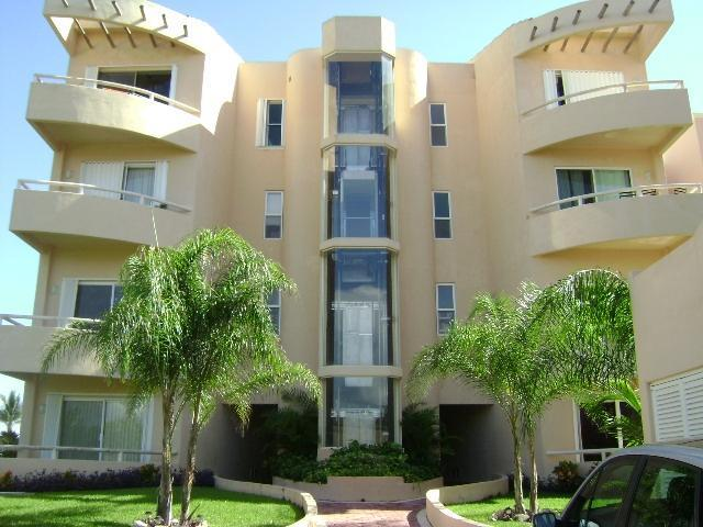 Mayan Riviera Beachfront Penthouse Sleeps 12 - Image 1 - Puerto Aventuras - rentals