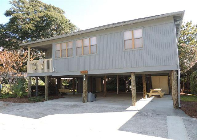 Guest Cottage 62, Perfect for Families and Groups - Sleeps 8 - Image 1 - Myrtle Beach - rentals