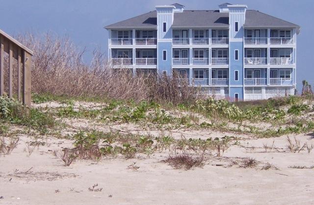 Luxury 3 Bedroom BEACH FRONT condo at Pointe West - Image 1 - Galveston - rentals