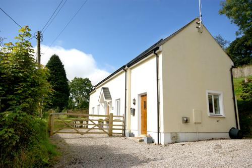 Holiday Property - The Old Milking Parlour, Treffgarne - Image 1 - Pembrokeshire - rentals