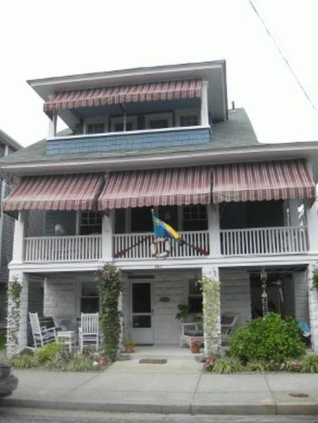 Classic Beach Block 4 Bedroom Upper Cottage - Beach Block 4 Bdrm Upper BCottage with Ocean Views - Ocean City - rentals