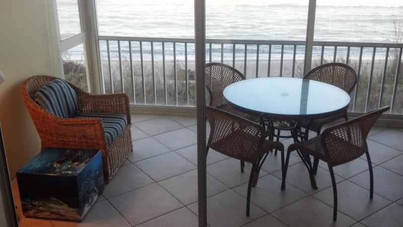 180 Degree Panoramic View of Gulf From Your Lanai - Enjoy Quiet Beachfront Living and All New Kitchen - Siesta Key - rentals