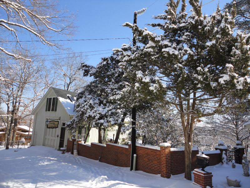 The Carriage House in winter - The Carriage House - Eureka Springs - rentals