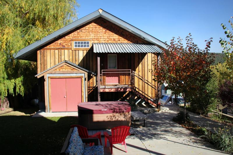 Studio Apartment w/ hot tub in the court yard - Downtown Studio w/ Hot Tub and Two Car Garage - Pagosa Springs - rentals
