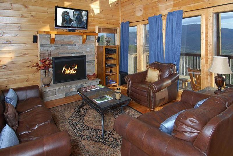 Wears Valley Cabin Den: Leather Furniture, HDTV, Gas Fireplace, Spectacular View of Wears Valley - SECLUDED, 25 Mile View, Theater Room,Gas Fire Pit - Pigeon Forge - rentals