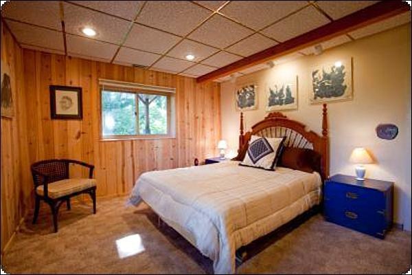 Queen Bed in the Master Bedroom - Easy Access to Hiking and Fishing - Kid-Friendly Cabin (6954) - Jackson - rentals