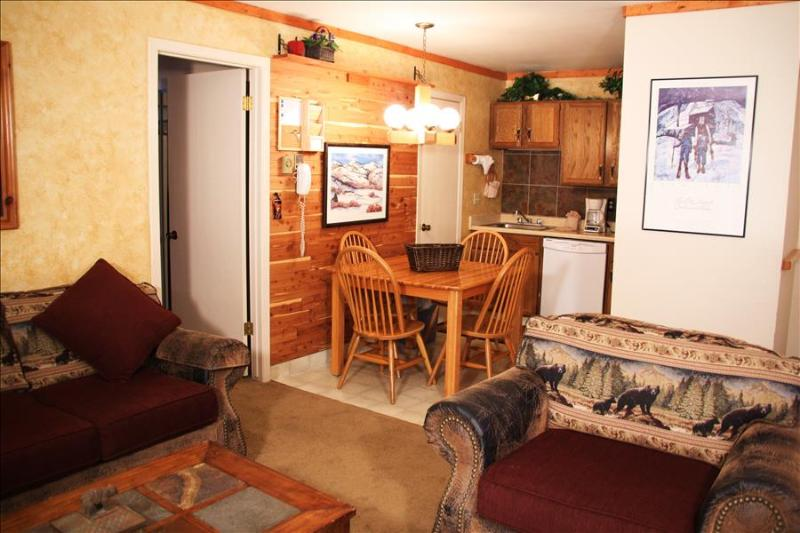 Red Pine W3: Vacation Rental at the base of Canyons, next to the golf course, walk to the Cabriolet Lift - Image 1 - Park City - rentals