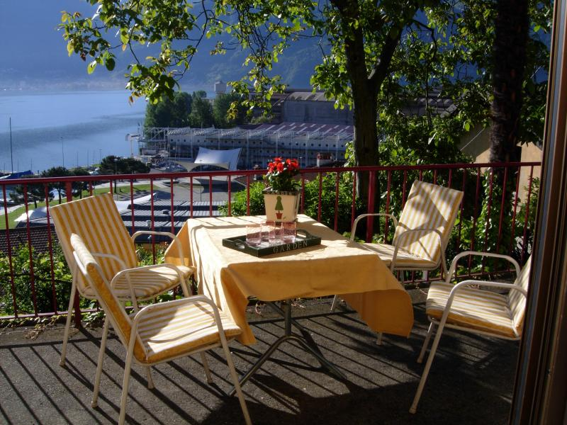 Start your day with breakfast in the sun - Charming cottage overlooking Lake Iseo - Lovere - rentals