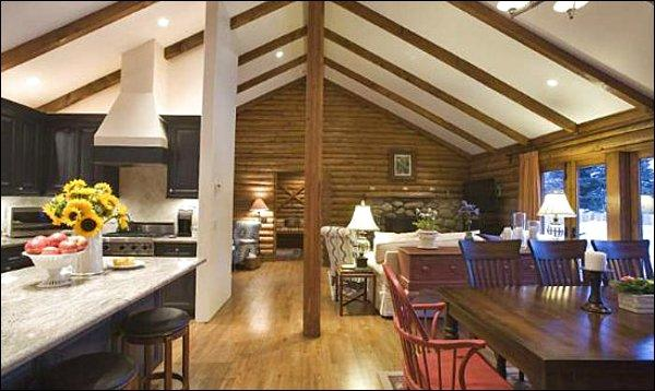Vaulted Ceilings - Lovely Ketchum Log Home - Grandly Appointed Lodging (1082) - Ketchum - rentals