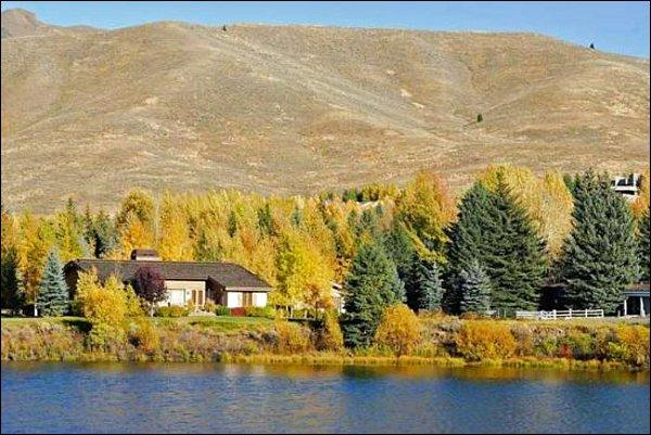 Incredible Lakeside Retreat - Peaceful Lakefront Location - Beautiful Mountain Views (1122) - Sun Valley - rentals