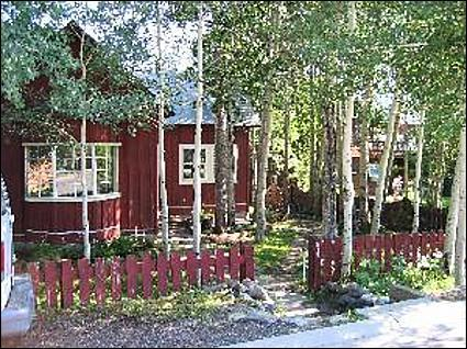 Quiet and Secluded Neighborhood - Farmhouse Looks with Loft Style Pinache - Mountain Living and Contemporary Necessities  (1028) - Crested Butte - rentals