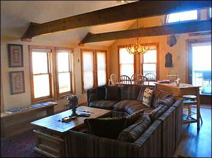 Open and Spacious Living Room - Overlooks Mount Crested Butte and Paradise Divide - Located in Downtown Crested Butte (1038) - Crested Butte - rentals