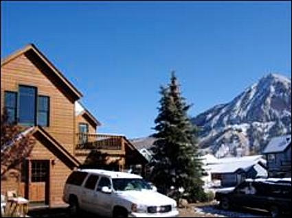Centrally Located - Refurnished Home - Just Blocks Away from Shopping and Dining (1039) - Crested Butte - rentals