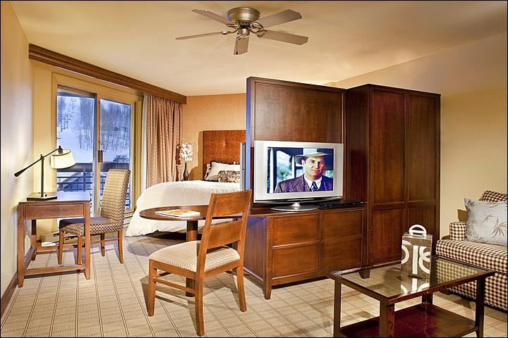 Suite Includes a King Bed, Sleeper Sofa, and Kitchenette (Representative Unit) - Opulent Accommodations - Beautiful Slope Views (1105) - Crested Butte - rentals