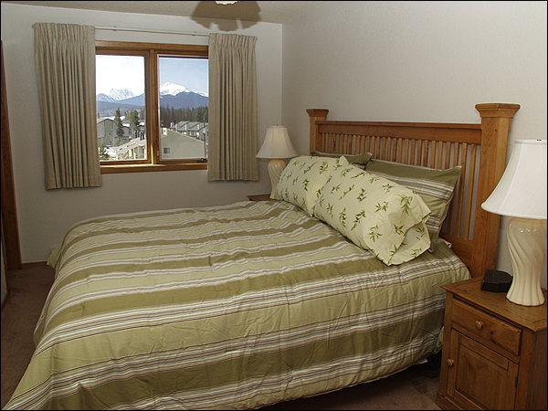 Master Bedroom - King Bed, MTN Views, Private Bathroom. - Rent Multiple Units & Save - Great Views (23756) - Winter Park - rentals