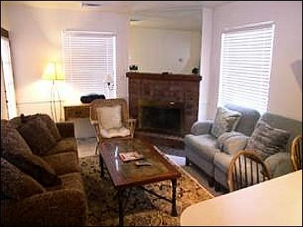 Living Room with Fireplace and Sofa Sleeper - Centrally Located - Open Layout (24430) - Park City - rentals