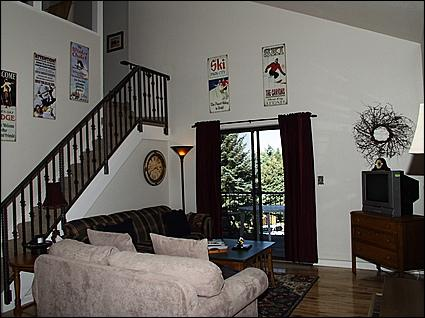 Living Room - Vaulted Ceilings - Cozy Mountain Escape - Wonderful Mountain Views (2805) - Park City - rentals