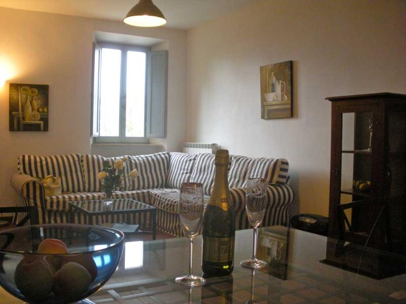 Dining/Living area with WiFi - Lovely 2 Bedroom Apartment in Converted Monastery - Sant'Angelo In Pontano - rentals