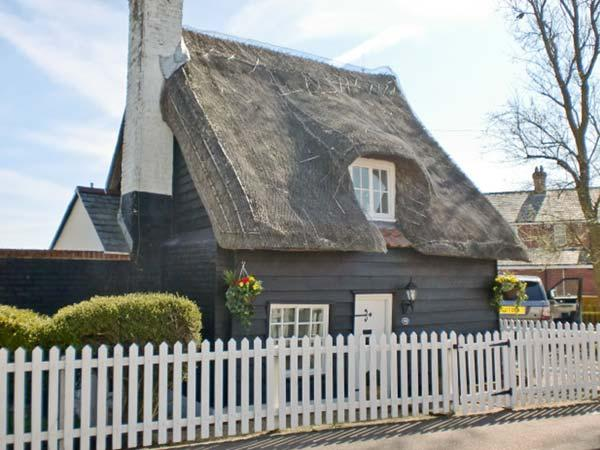 Little Thatch, East Anglia Ref 13617 - Image 1 - Walton-on-the-Naze - rentals