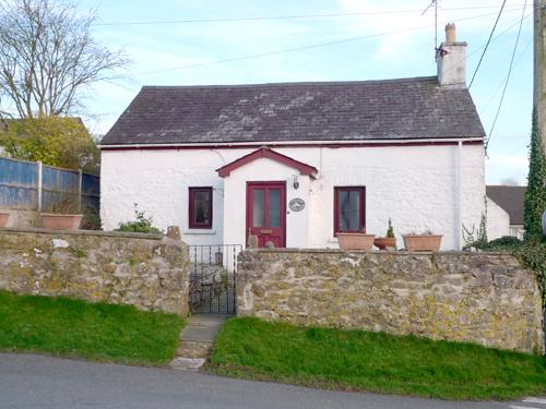 Pet Friendly Holiday Cottage - Cross Cottage, St Florence - Image 1 - Saint Florence - rentals