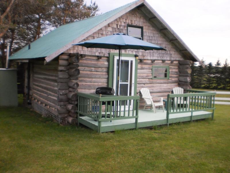 2 bedroom [loft] - Island Life, Brackley Beach, 2 Bedroom Log Cabin - Brackley Beach - rentals