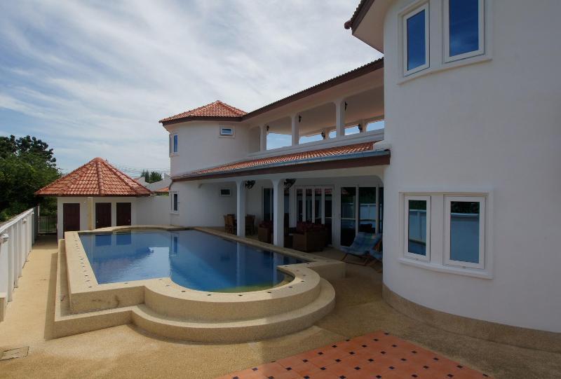 Sa'Wan Villa - Luxury 4 Bedroom Self Catering Vill - Image 1 - Hua Hin - rentals