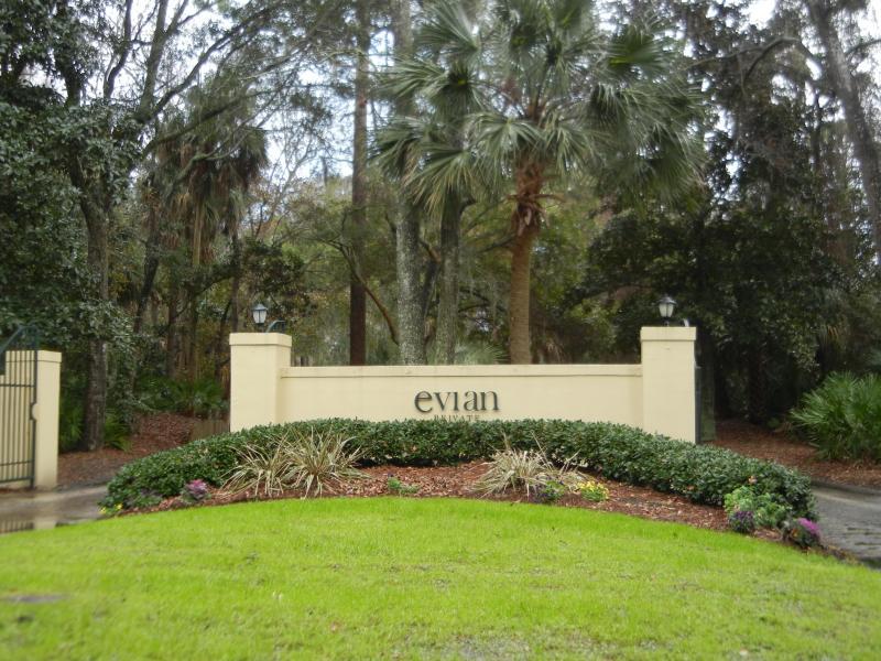 Entrance to Evian at Shipyard - 165 Evian at Shipyard Plantation - Hilton Head - rentals