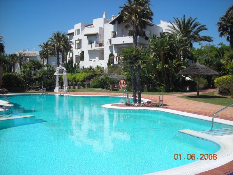 Spacious 3 bedroom apartment overlooking the Ocean - Image 1 - Cadiz - rentals