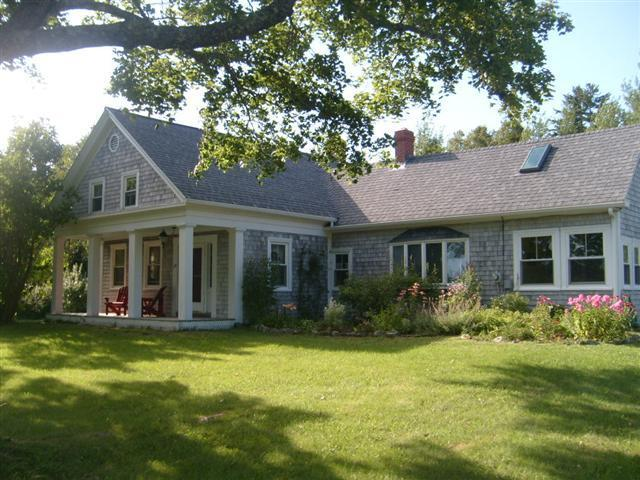 Fox Hollow Farm in the summertime. - Fox Hollow Farm--Idyllic Coastal Farmhouse - Lamoine - rentals