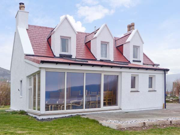 JUBILEE COTTAGE, pet friendly, country holiday cottage, with a garden in Uig, Isle Of Skye, Ref 12666 - Image 1 - Uig - rentals