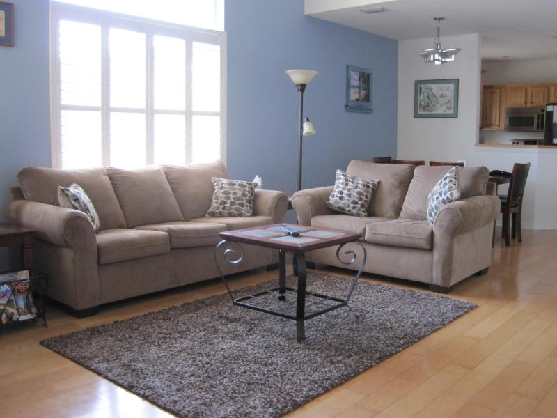 Living Room - Beautiful 3-BR Home, HotTub, Steps From The Beach! - Cocoa Beach - rentals