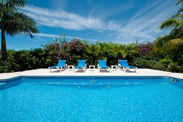 Grace Bay Townhomes pool! - Grace Bay Townhome-HUGE Value-5 Min to the Beach! - Providenciales - rentals