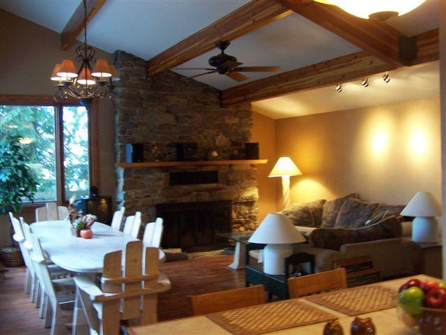 Main house great room - The Ideal North Idaho Vacation Expeience - Sandpoint - rentals