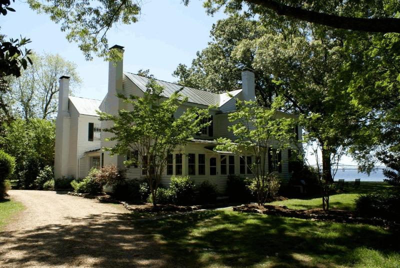 Pop Castle - Pop Castle- Historic Gem on the Rappahannock River - White Stone - rentals