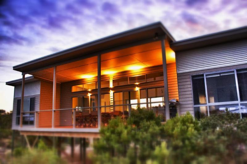 Fabulous setting amongst the bush, island beach accommodation, kangaroo island - Le Soleil Holiday Accommodation - Kangaroo Island - rentals