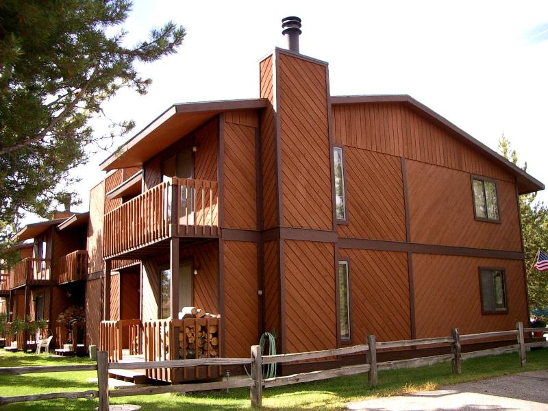 Outside - 4 bedroom in-town Townhome, Angler's Rest - West Yellowstone - rentals