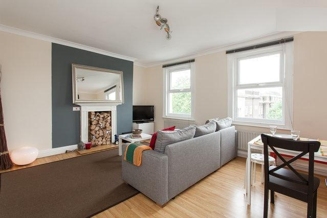 Living Room with sofa bed and entertainment system, plasma tv, dvd player, WIFI - SPECIAL OFFER!!! Trendy 2 Bedroom Duplex Angel Apt - London - rentals