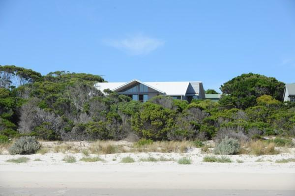 Cassini overlooking beautiful Island Beach - Cassini Beach House - Kangaroo Island - rentals