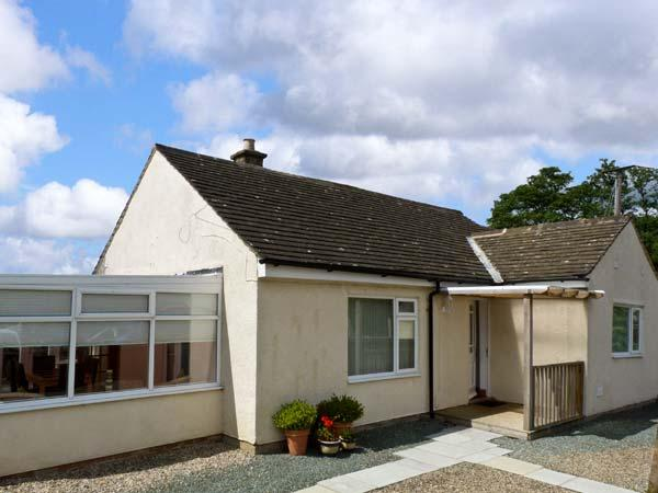 SWALEVIEW COTTAGE, family cottage, with summer room and spacious garden near Richmond, Ref 9156 - Image 1 - Richmond - rentals