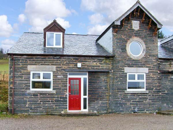 HENDRE ALED COTTAGE 3, romantic retreat, with en-suite bedroom and open plan living area, in Llansannan, Ref 6479 - Image 1 - Denbigh - rentals