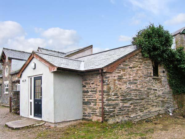 HENDRE ALED COTTAGE 1, delightful single-storey cottage, with two bedrooms and open plan living area, in Llansannan, Ref 6481 - Image 1 - Denbigh - rentals