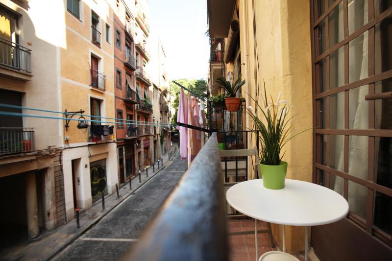 Be Barcelona Borne Balcony 1 - Be Barcelona - Borne - nice balcony, up to 6! - Barcelona - rentals