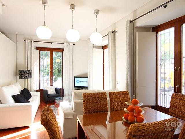 Bright, open-plan 3-bedroom apartment for up to 9 guests. - Los Terceros | Three bedroom split-level apartment - Seville - rentals