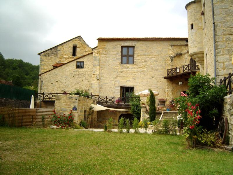 facade - Holiday Rentals in Chateau Dordogne-Lot FRANCE - Saint-Chamarand - rentals