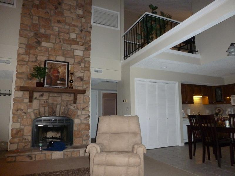 Large space with 2 story fireplace - Hello Summer-Sleep10-Main Channel View - Osage Beach - rentals