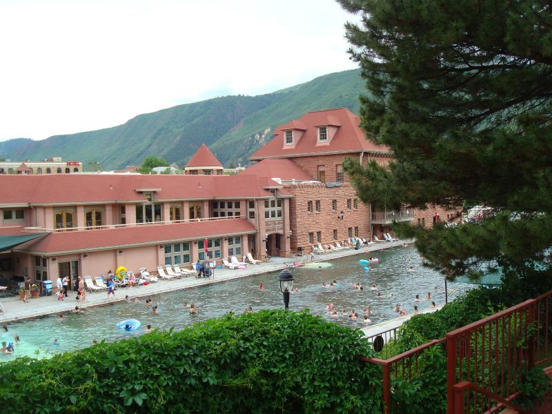 Glenwood Hot Mineral Springs - 2BD/2BA CONDO: Rafting Hot Springs Hist. District - Glenwood Springs - rentals
