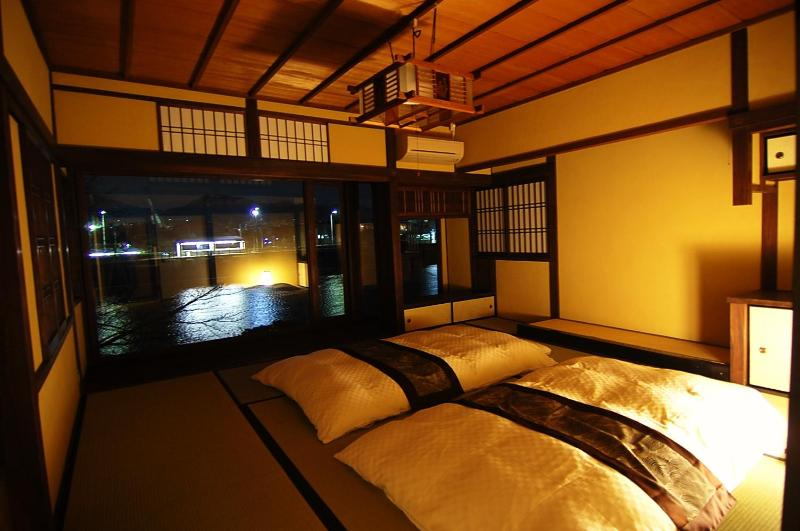 Main bed room on 2nd floor - Amazing river view house with the cypress bath - Kyoto - rentals