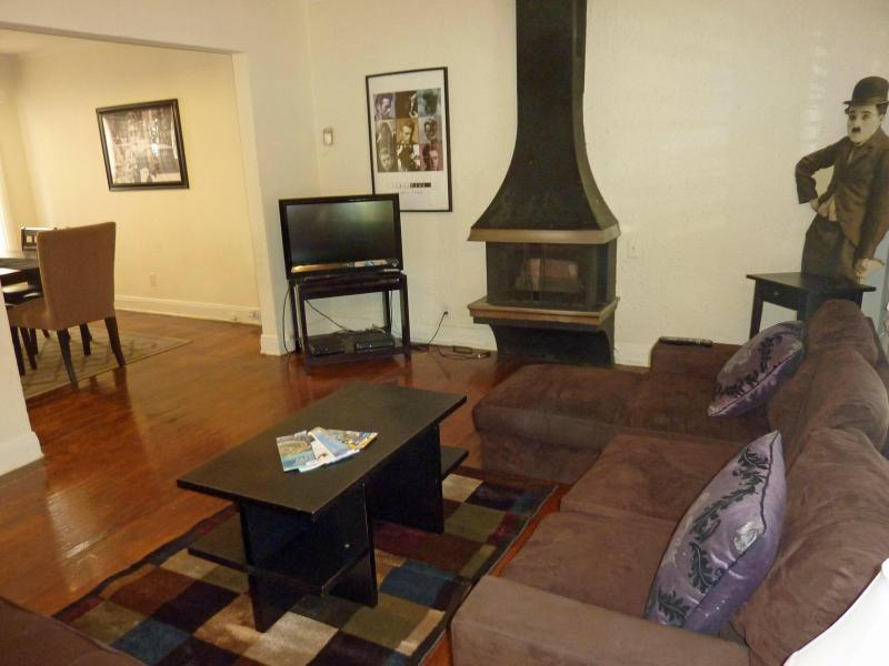 Hollywood Haven, Great Area!!! - Image 1 - Los Angeles - rentals