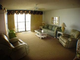 living room - Ocean Bay Club 908 - North Myrtle Beach - rentals